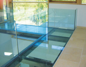 glass-walkway-and-balustrade-sml-2