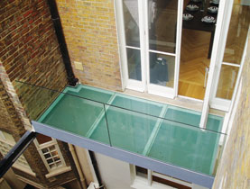 walk-on-glass-balcony-sml-2